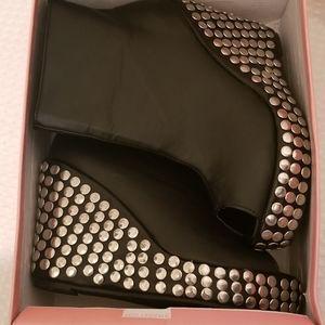 Chuanxiameizi Black Peep Toe Studded Ankle Boots